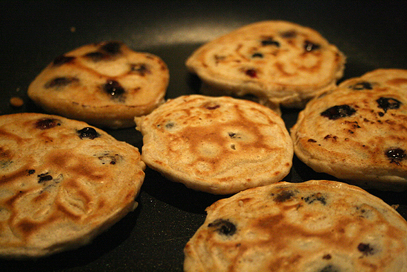 I made a bunch of mini pancakes instead of a couple gigantic ones. It just makes it easier to eat, don't you think?