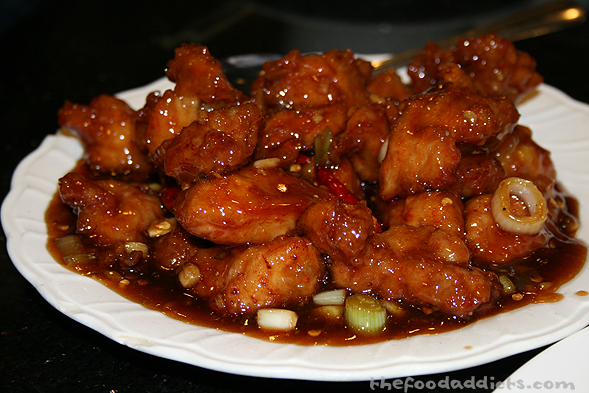 I just can't stay away from General Tso's chicken. I know it's sooo Americanized, but I can't help it! I love the sauce and flavor too much. May's Kitchen has a ton of different dishes that will fill you up without breaking your bank. Try it!