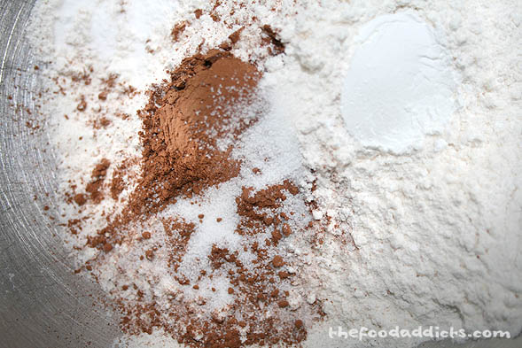 Start by preparing the dry ingredients for the red batter (please click on the recipe link below the post for all the ingredients).